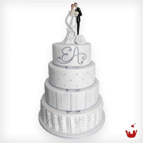 elegante und zarte Hochzeitstorte von Hamova